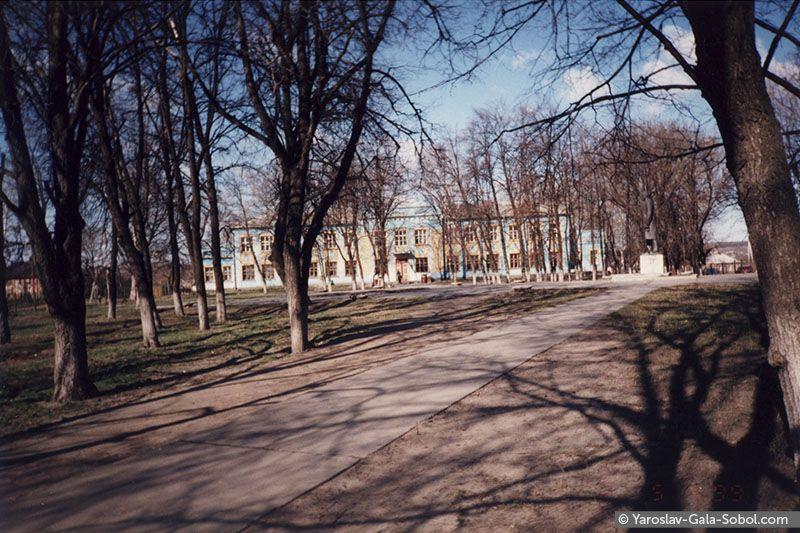 April. Old school. 1999 // Квітень. Стара школа. 1999 рік